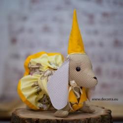 3081-DD. Куче Дакел от плат с жълти дрехи