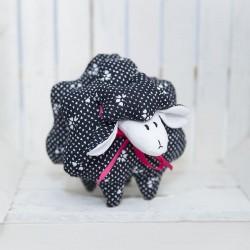 3045-DD. Декоративна Черна Овчица