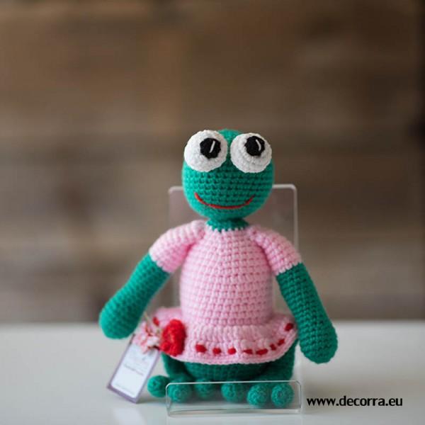 3115-DD. Плетенa играчка жаба момиче