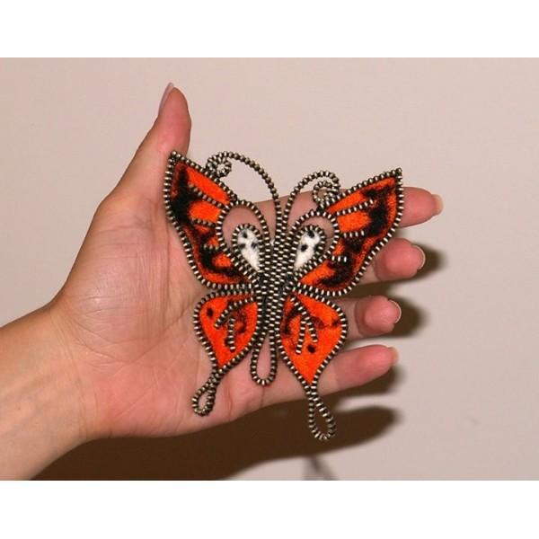 3023-MB. Брошка Оранжева пеперуда