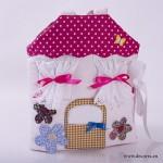 4023-DD. Магическа къща с кукла, рокли и огледало