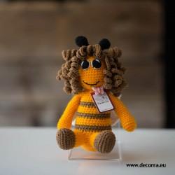 3114-DD. Плетенa играчка Пчеличка с прическа