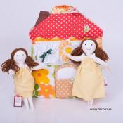 Занимателна къща с кукла